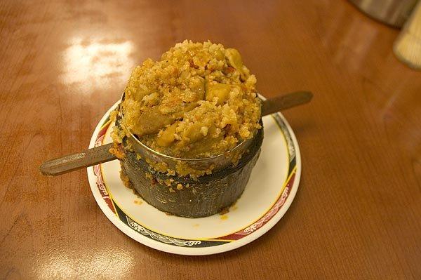 永康牛肉麵的粉蒸肥腸,鋪底。這道小點其實味道沒有想像濃郁,甚至還蠻清爽的!