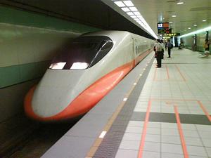 還沒睡飽就抵達台北了!體驗超快的高鐵,是台北旅遊「最新鮮」的選擇!